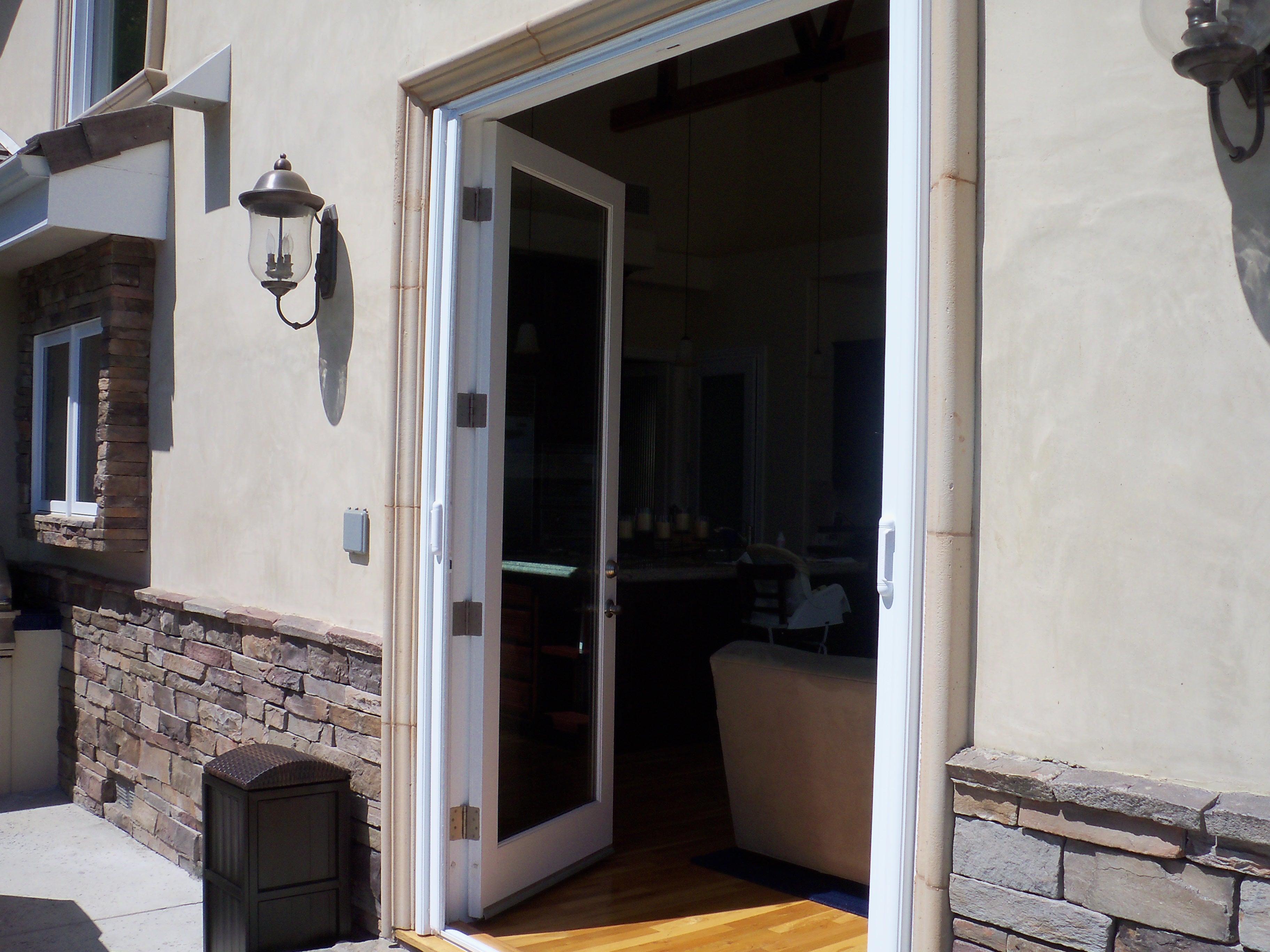 Calabasas Retractable Screen Doors |