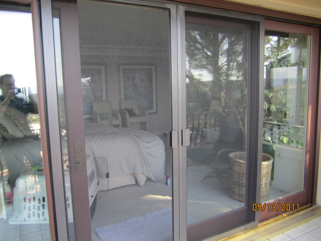 Exterior View Double Sliding Screen Doors in Thousand Oaks | mobile scren service installing screen doors in thousand oaks