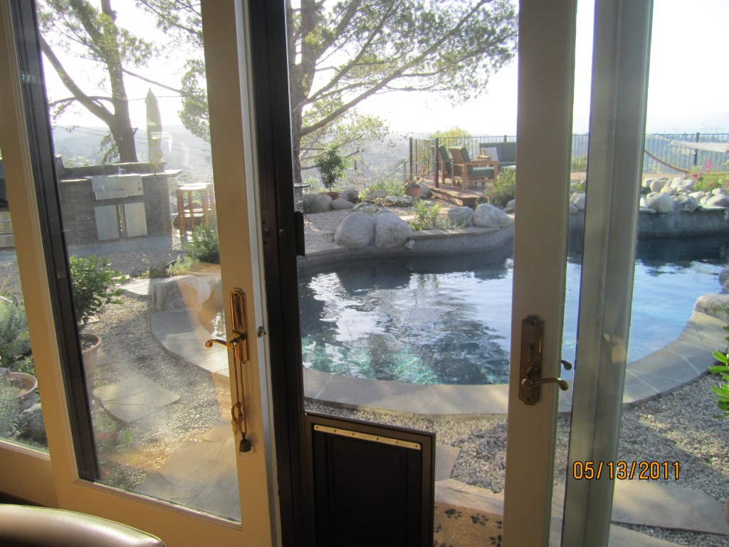 Double Sliding Screen Doors in Thousand Oaks | mobile scren service installing screen doors in thousand oaks