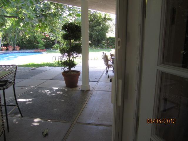 Retractable Screen Doors in Lake Sherwood |