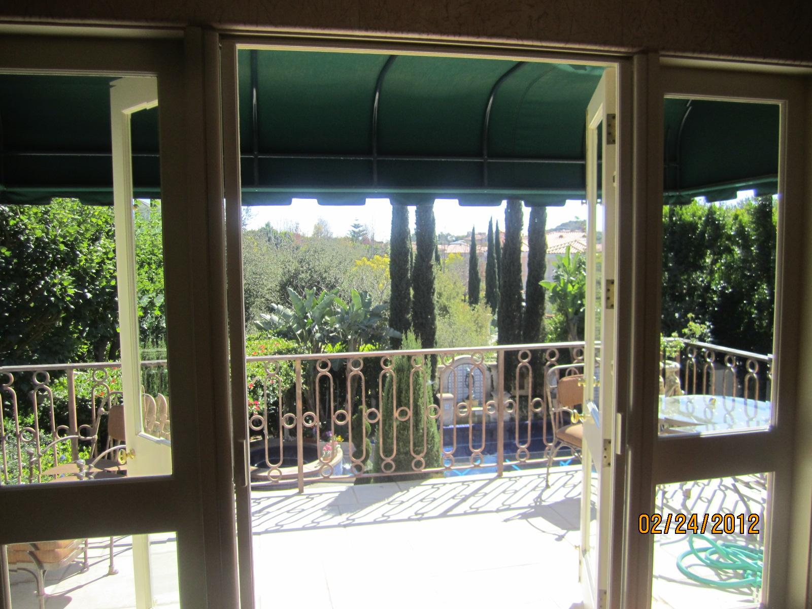 Retractable Screen Doors Encino |