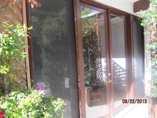 Rollaway Screnn Doors Northridge |