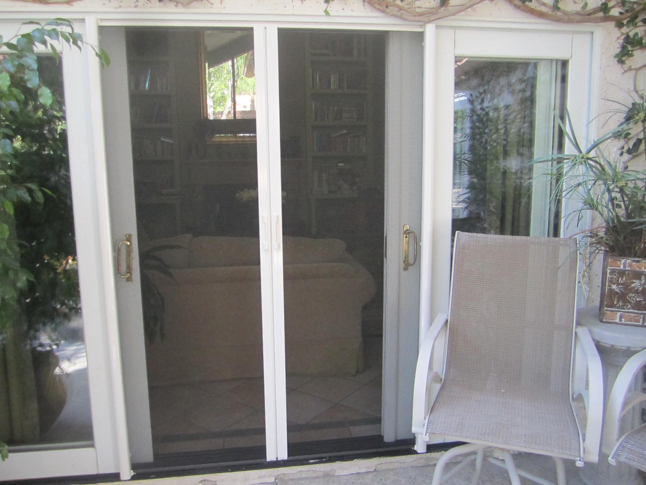 Van Nuys Retractable Screen Doors |