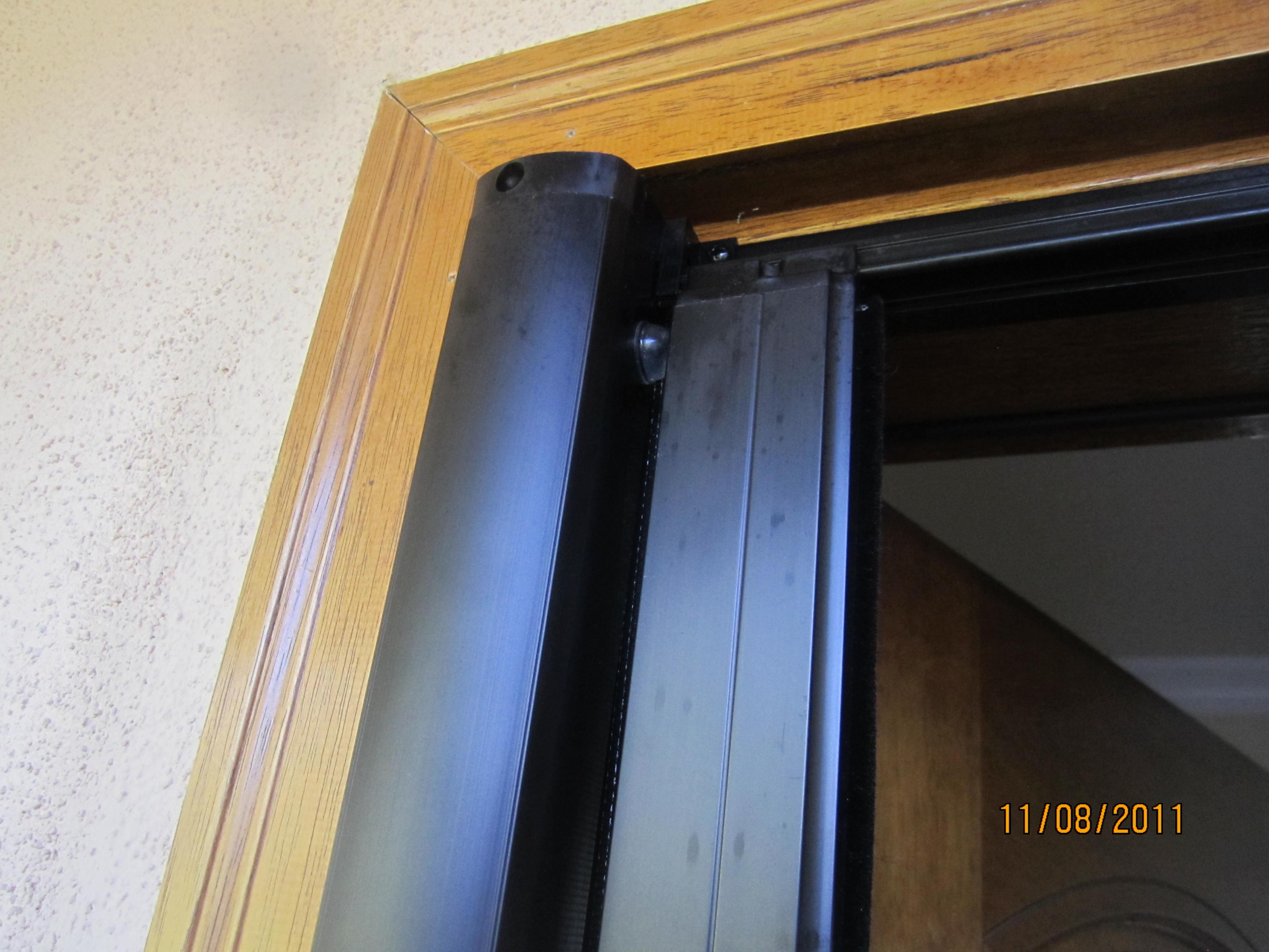 Retractable Screen Doors in Calabasas