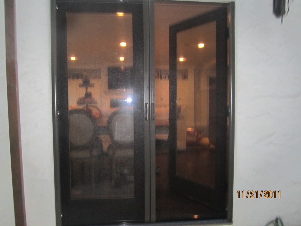 Sherman Oaks Retractable Screen Doors | Mobile Screen Service in Sherman Oaks installers of Retractable Screen Doors