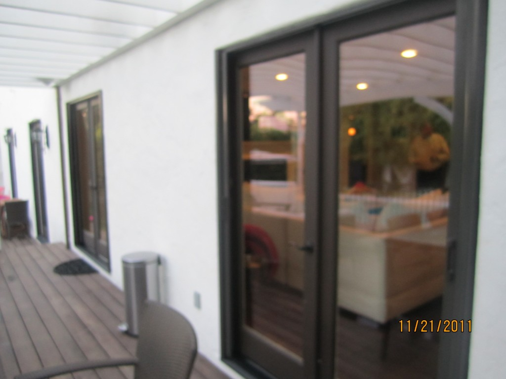 Sherman Oaks Retractable Screen Doors