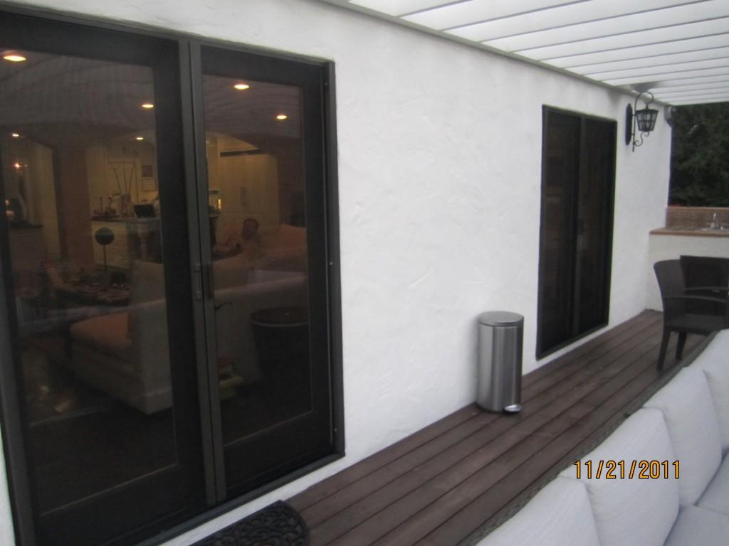 Retractable Screen Doors Sherman Oaks | Mobile Screen Service in Sherman Oaks installers of Retractable Screen Doors