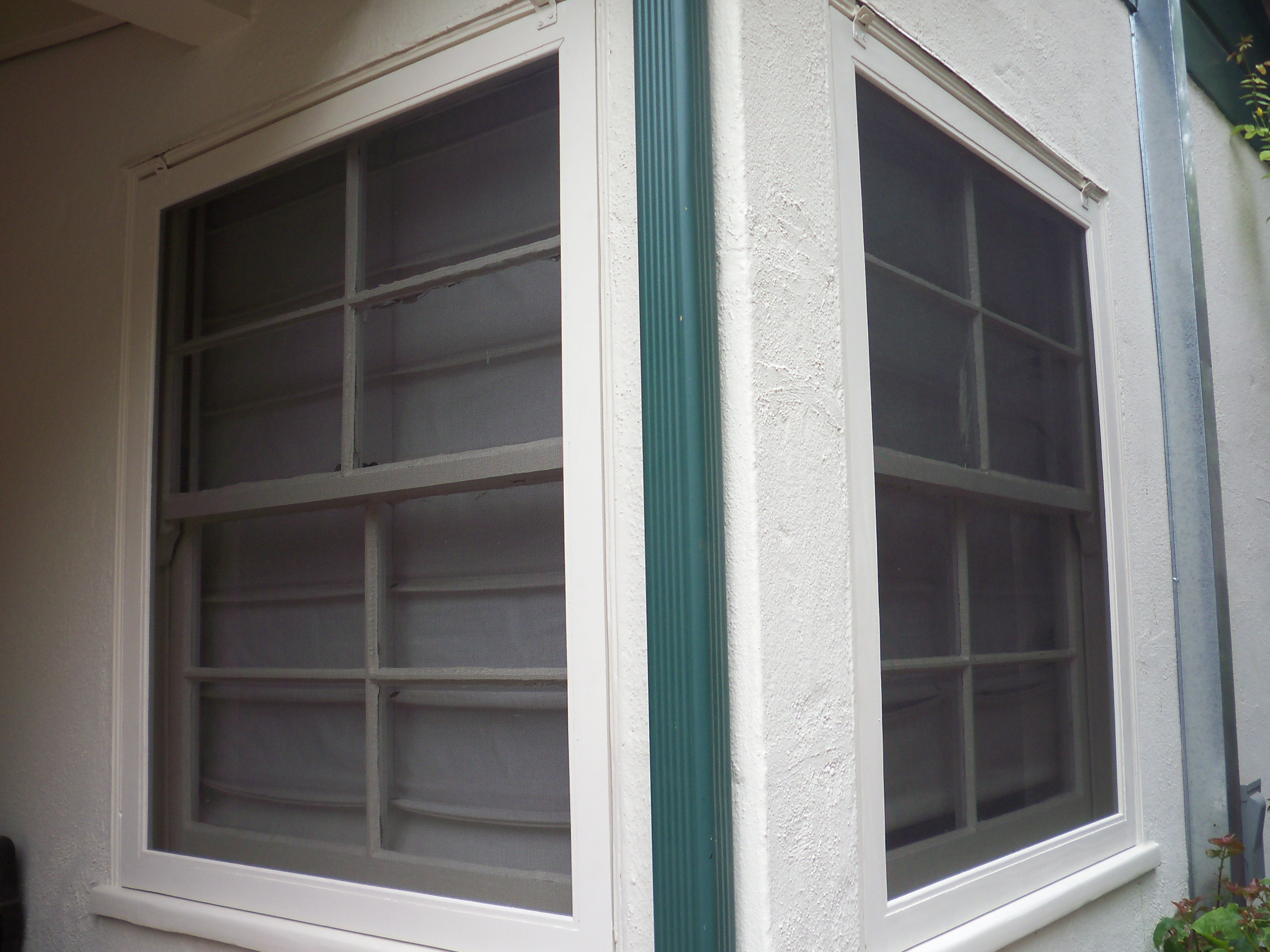 Window Screens on Double Hung Windows |