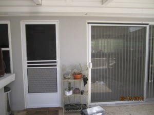 Colonial Swinging Screen Door