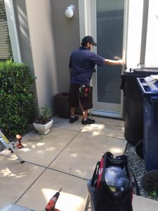 Bell Canyon Screens | Mobile Screen Service intsalling Sliding Screen Doors and Window Screens in Bell Canyon