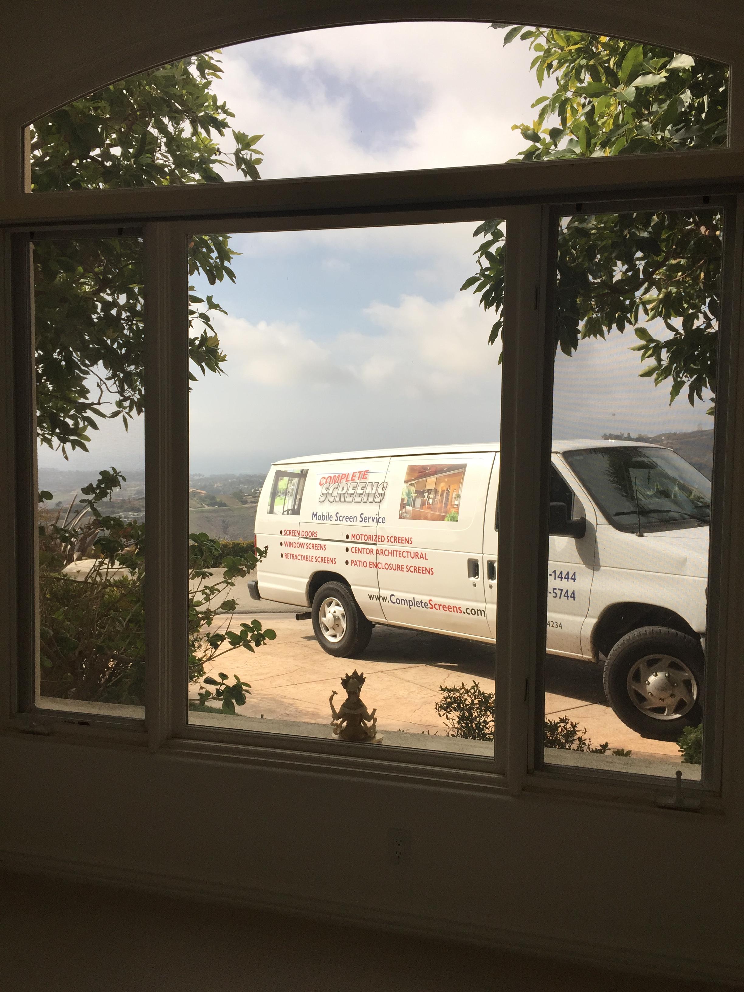 Mobile screen service in Malibu, CA. |