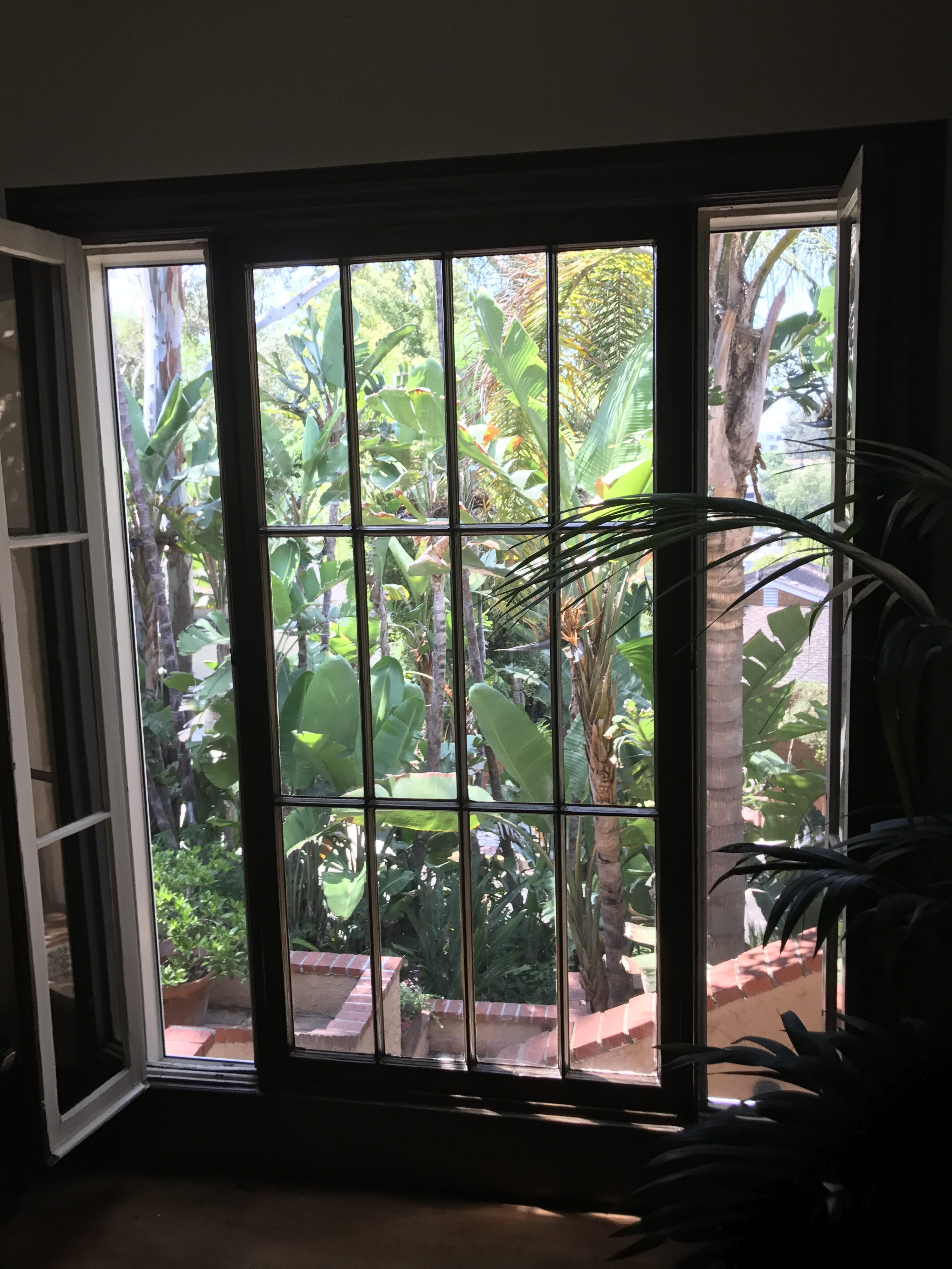 Screen Replacement in Studio City |